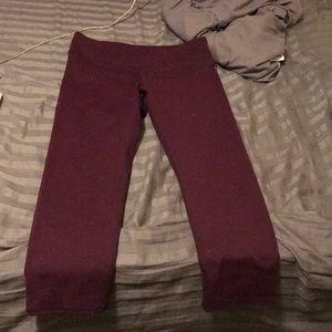 Fabletics maroon crop legging
